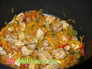 Обжарить с овощами мясо