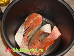 Рыбу выложить в мультиварку